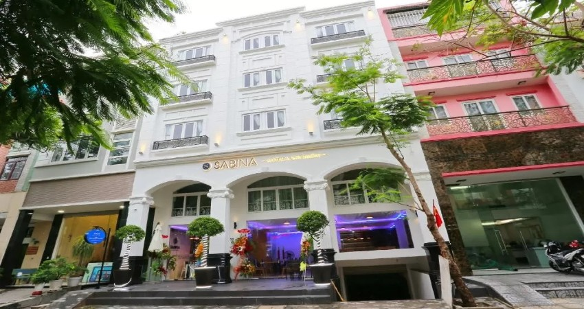 Khách sạn & Căn hộ Sabina Sài Gòn 3