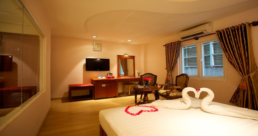 Khách sạn cách ly - Blue Diamond Sài Gòn