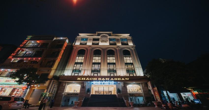 Tòa khách sạn