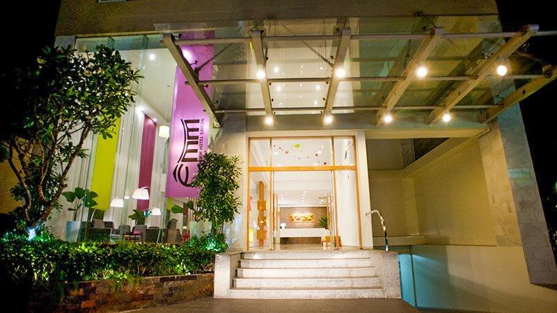 Khách sạn ÊMM Sài Gòn
